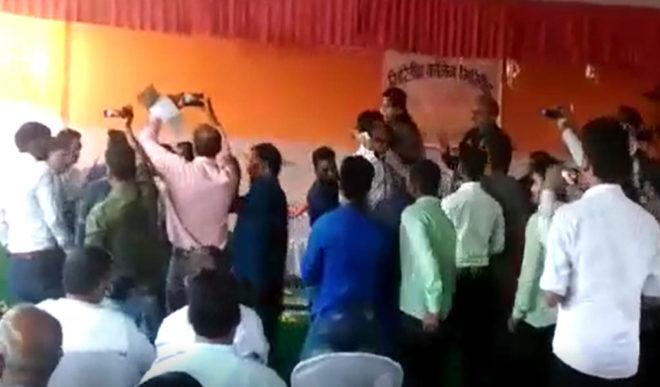 दलित छात्रों का अपमान क्यों नहीं खलता भाजपा नेताओं को ?