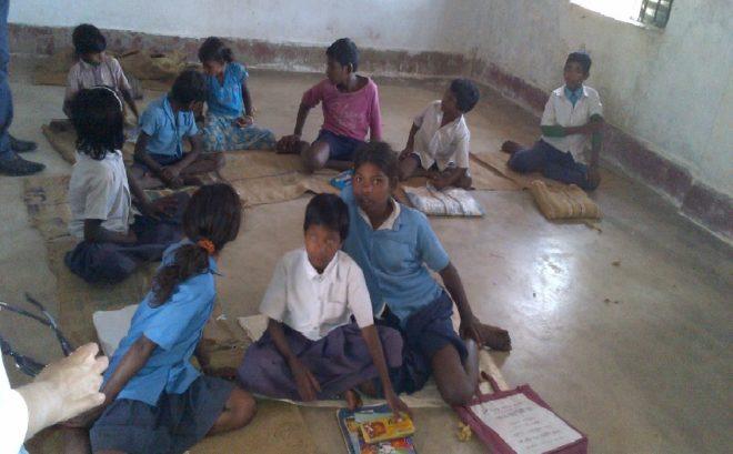 सरकारी स्कूलों को मर्जर के नाम पर बंद करने की जरूरत क्यों पड़ी