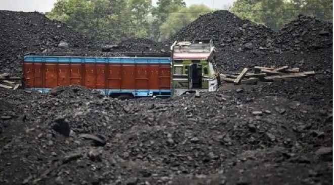 CCL : गिरीडीह में कोयले का काला खेल बदस्तूर जारी
