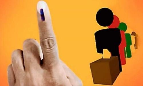गोल घूमता लोकतंत्र… ! महज 70 बरस में