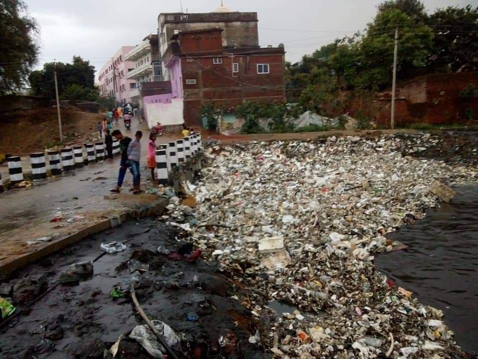 नगर विकास मंत्री ने राँची को नरक बना दिया