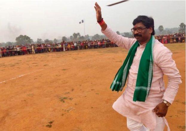ज्योतिबसु के राजनीतिक जीवन से मेल खाती हेमंत का सफ़र