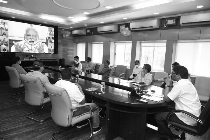 भाजपा के कार्यकाल पर भारी हेमंत का कार्यकाल